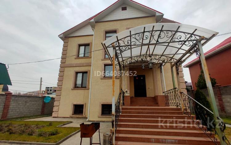 11-комнатный дом, 480 м², 10 сот., Жангир Хан за 235 млн 〒 в Алматы, Бостандыкский р-н