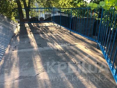 Дача с участком в 5 сот. посуточно, Фабричная 42 за 35 000 〒 в Шымкенте, Каратауский р-н — фото 3