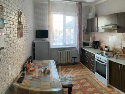 2-комнатная квартира, 62.9 м², 1/6 этаж, мкр Кокжиек 25 за 21.5 млн 〒 в Алматы, Жетысуский р-н