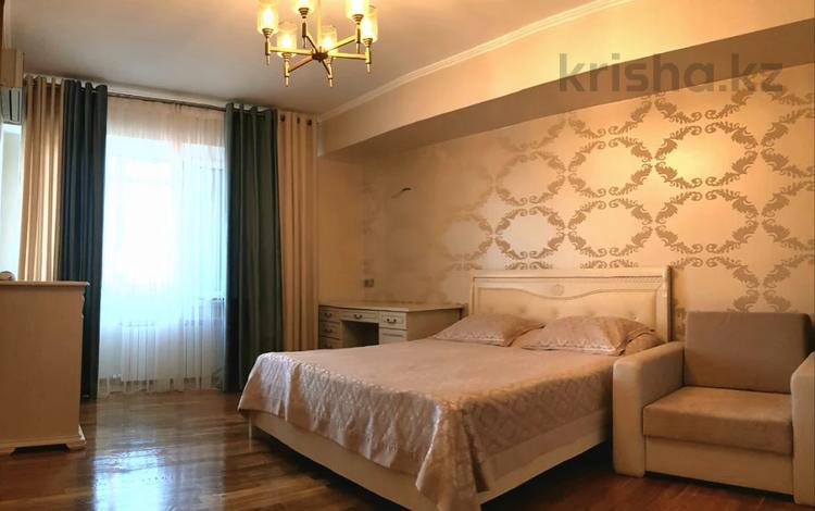 3-комнатная квартира, 107 м², 9/15 этаж, Навои за 51 млн 〒 в Алматы, Бостандыкский р-н