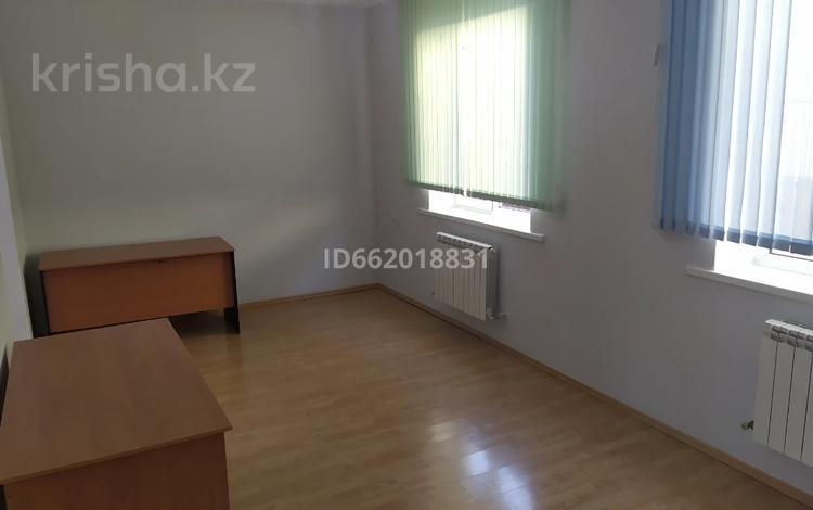 Офис площадью 22 м², мкр Таугуль-3, Нагашабая Шайкенова 59 — Аскарова Асанбая за 60 000 〒 в Алматы, Ауэзовский р-н