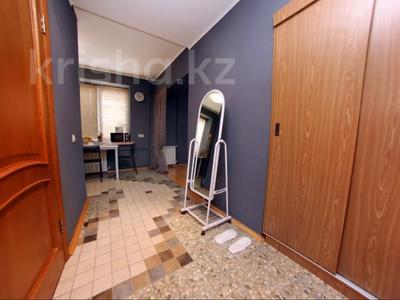 1-комнатная квартира, 36 м², 3/5 этаж посуточно, Абая 107 — Ауэзова за 9 990 〒 в Алматы, Алмалинский р-н