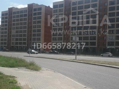 1-комнатная квартира, 41 м², 3/10 этаж, Айтматова — Мухамедханова за 17 млн 〒 в Нур-Султане (Астане), Есильский р-н