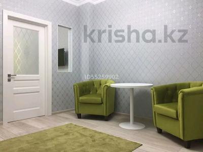 1-комнатная квартира, 35 м², 36/36 этаж посуточно, Достык 5 — Сауран за 10 000 〒 в Нур-Султане (Астана), Есиль р-н — фото 2