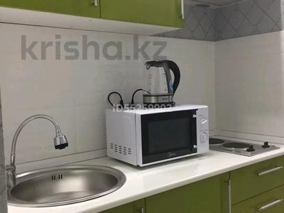 1-комнатная квартира, 35 м², 36/36 этаж посуточно, Достык 5 — Сауран за 10 000 〒 в Нур-Султане (Астана), Есиль р-н — фото 4