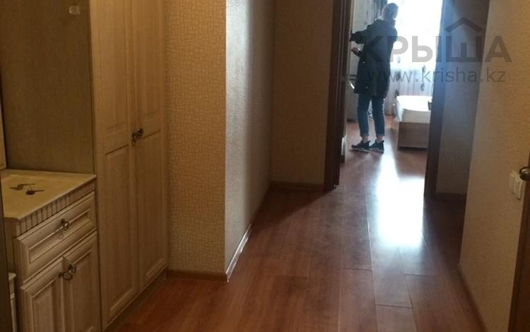 2-комнатная квартира, 60 м², 11/12 этаж помесячно, Айнаколь 60 за 110 000 〒 в Нур-Султане (Астана), Алматы р-н