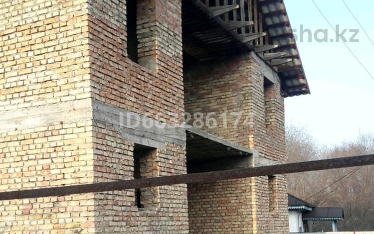 6-комнатный дом, 225 м², Кажымукана113 за 17.5 млн 〒 в Карабулаке (п.Ключи)