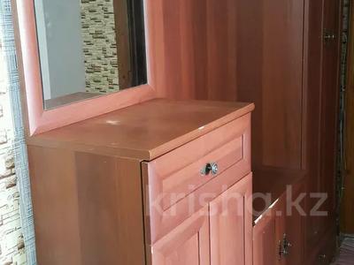 4-комнатная квартира, 80 м², 9/9 этаж посуточно, Шакарима 15 за 10 000 〒 в Семее