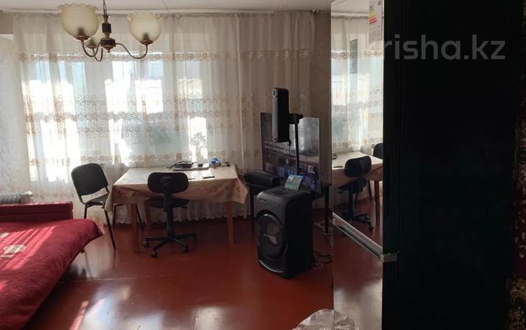 3-комнатная квартира, 61.6 м², 3/9 этаж, Гапеева 7 за 13 млн 〒 в Караганде, Казыбек би р-н