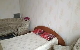 1-комнатная квартира, 52 м², 2/5 этаж по часам, 410 Квартал за 500 〒 в Семее