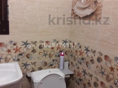 1-комнатная квартира, 50 м², 3 этаж посуточно, 5-й мкр 1 за 3 000 〒 в Актау, 5-й мкр — фото 5