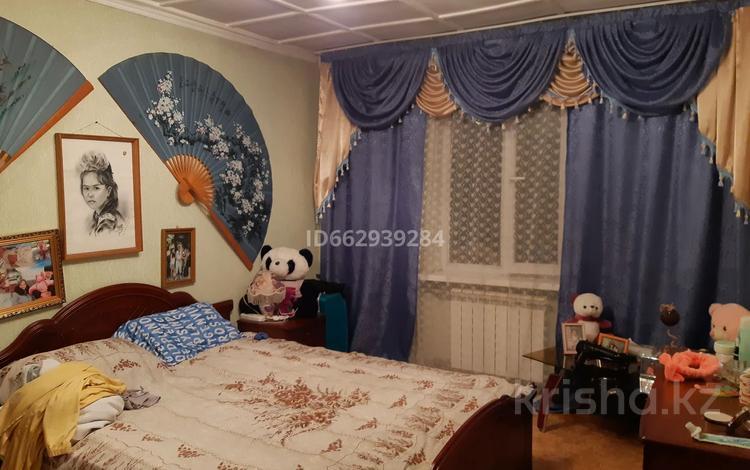 3-комнатная квартира, 68 м², 2/2 этаж, мкр Алтай-2 41 — Захарова за 13 млн 〒 в Алматы, Турксибский р-н