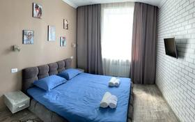 1-комнатная квартира, 50 м², 3/3 этаж посуточно, Ленина 74 за 12 000 〒 в Караганде, Казыбек би р-н