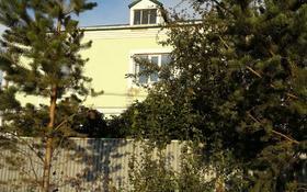 6-комнатный дом, 195 м², 10 сот., Жемчужный переулок за 21.5 млн 〒 в Караганде, Октябрьский р-н