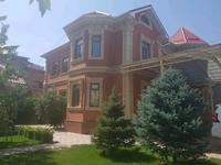8-комнатный дом, 292 м², 7.21 сот.