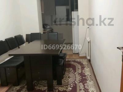 3-комнатная квартира, 68 м², 3/3 этаж, 4-й микрорайон, 4-й микрорайон 17в за 17.9 млн 〒 в Шымкенте, Абайский р-н