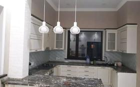 6-комнатный дом, 292.3 м², 10 сот., Батыр Баян 25 — Игилик би за 75 млн 〒 в Караганде, Казыбек би р-н