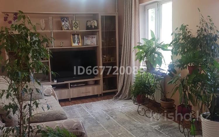 3-комнатная квартира, 55 м², 2/5 этаж, Гагарина 13 за 18 млн 〒 в