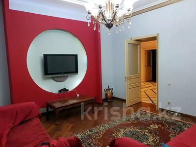 8-комнатный дом помесячно, 570 м², 10 сот., Мариям Жагоркызы 12 — Туран за 1.8 млн 〒 в Нур-Султане (Астана), Есиль р-н — фото 12
