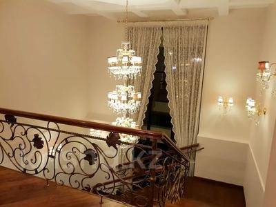 8-комнатный дом помесячно, 570 м², 10 сот., Мариям Жагоркызы 12 — Туран за 1.8 млн 〒 в Нур-Султане (Астана), Есиль р-н — фото 4
