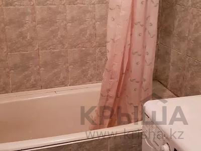 4-комнатная квартира, 80 м², 3/5 этаж помесячно, Парковая 187 за 95 000 〒 в Петропавловске — фото 2