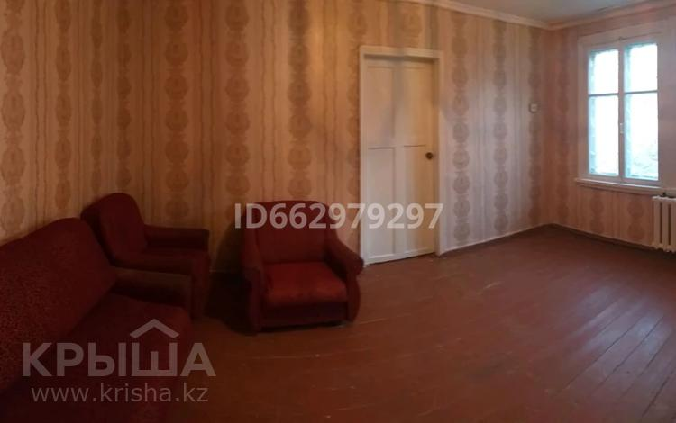 2-комнатная квартира, 38 м², 1/2 этаж, Чимкентская за 3.9 млн 〒 в Таразе