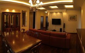 5-комнатная квартира, 200 м², 4/6 этаж, Тесиктас 1 за 110 млн 〒 в Нур-Султане (Астане), Алматы р-н