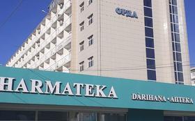 Здание, площадью 10000 м², 2-й мкр 47А за ~ 1 000 млн 〒 в Актау, 2-й мкр