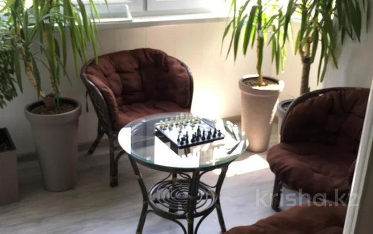 4-комнатная квартира, 90 м², 5/5 этаж, мкр Таугуль-1, Сулейменова за ~ 35 млн 〒 в Алматы, Ауэзовский р-н