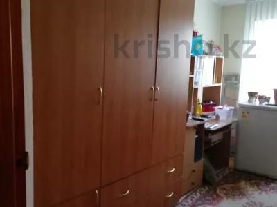 2-комнатная квартира, 48 м², 3/5 этаж, Тургенева — Абая за 7 млн 〒 в Актобе, мкр 5 — фото 10