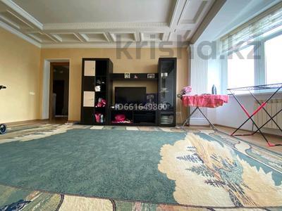 2-комнатная квартира, 94.1 м², 8/15 этаж, мкр Мамыр-3 23 за 33.5 млн 〒 в Алматы, Ауэзовский р-н