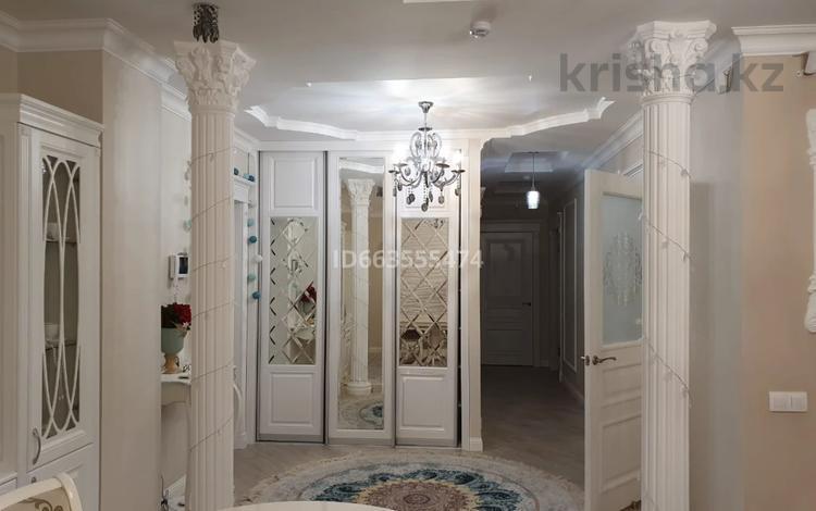 3-комнатная квартира, 100 м², 8/14 этаж, Кабанбай батыра 5/1 — Кургальжинское шоссе за 42 млн 〒 в Нур-Султане (Астана), Есиль р-н