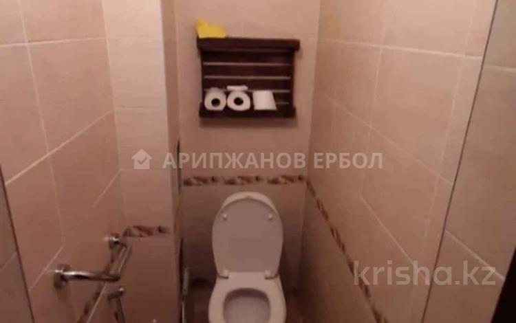 3-комнатная квартира, 66 м², 2/9 этаж, мкр Аксай-1, Мкр Аксай-1 — Толе би за 21 млн 〒 в Алматы, Ауэзовский р-н