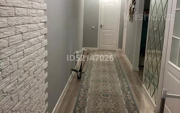 3-комнатная квартира, 83.2 м², 3/7 этаж, Тулеметова — Утегенова за 27.5 млн 〒 в Шымкенте, Каратауский р-н