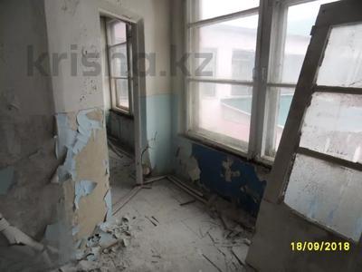 Здание, площадью 693 м², Санкибая 171Б — Сатбаева за 45.8 млн 〒 в Актобе, Новый город — фото 9