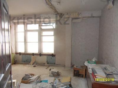 Здание, площадью 693 м², Санкибая 171Б — Сатбаева за 45.8 млн 〒 в Актобе, Новый город — фото 12