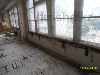 Здание, площадью 693 м², Санкибая 171Б — Сатбаева за 45.8 млн 〒 в Актобе, Новый город — фото 13