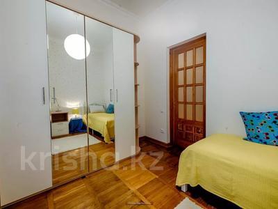 4-комнатная квартира, 110 м², 1 этаж помесячно, Иляева — Шаймерденова за 330 000 〒 в Шымкенте — фото 10