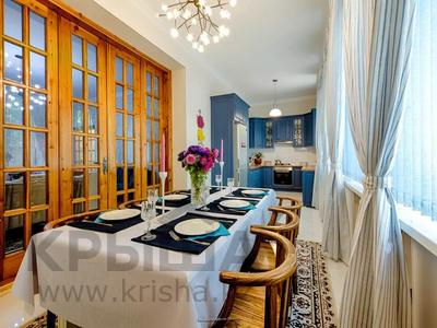 4-комнатная квартира, 110 м², 1 этаж помесячно, Иляева — Шаймерденова за 330 000 〒 в Шымкенте