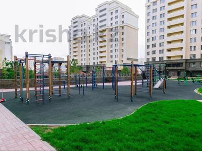2-комнатная квартира, 67 м², 2/18 этаж, Туркестан 18 за 36 млн 〒 в Нур-Султане (Астана), Есиль р-н