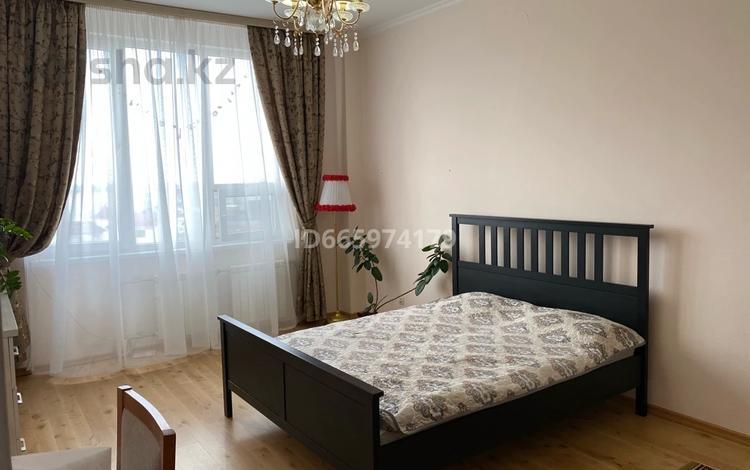 5-комнатная квартира, 223.7 м², 6/8 этаж, Сатпаева 39 а за 46.7 млн 〒 в Атырау