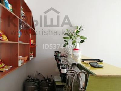 Магазин площадью 57 м², Болашак 129г — Бокенбай батыра за ~ 13.4 млн 〒 в Актобе, Новый город — фото 4