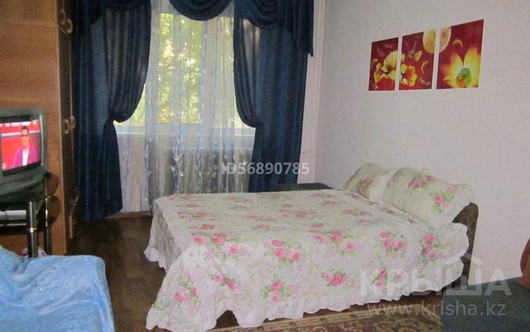 1-комнатная квартира, 33 м², 1/4 этаж посуточно, мкр №5, 5 мкр 31 — Утеген батыра за 7 000 〒 в Алматы, Ауэзовский р-н