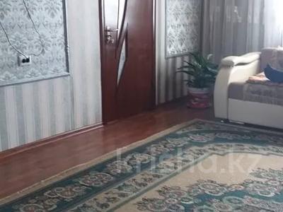 5-комнатный дом, 120 м², 10 сот., Мкр 6 4 за 18 млн 〒 в