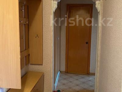 1-комнатная квартира, 40 м², 3/5 этаж на длительный срок, Ауэзова 39 — Селевина за 60 000 〒 в Семее