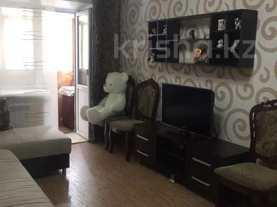 2-комнатная квартира, 44 м², 2/5 этаж, Бухар-Жырау 69 за 11 млн 〒 в Караганде, Казыбек би р-н