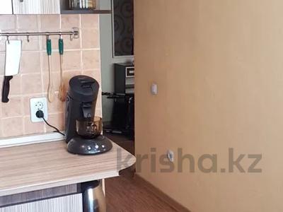 2-комнатная квартира, 44 м², 2/5 этаж, Бухар-Жырау 69 за 11 млн 〒 в Караганде, Казыбек би р-н — фото 18