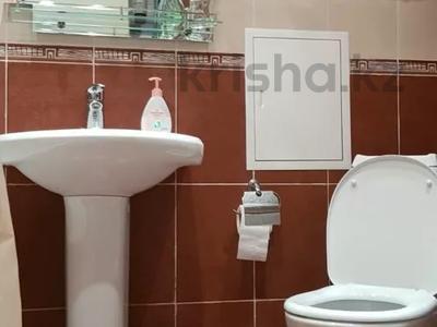 2-комнатная квартира, 44 м², 2/5 этаж, Бухар-Жырау 69 за 11 млн 〒 в Караганде, Казыбек би р-н — фото 9