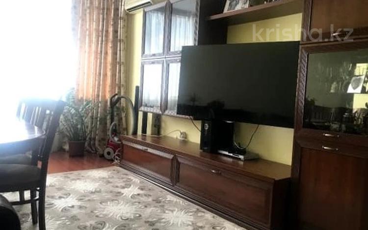 2-комнатная квартира, 65 м², 7/9 этаж помесячно, Сптпаева 2г за 200 000 〒 в Атырау