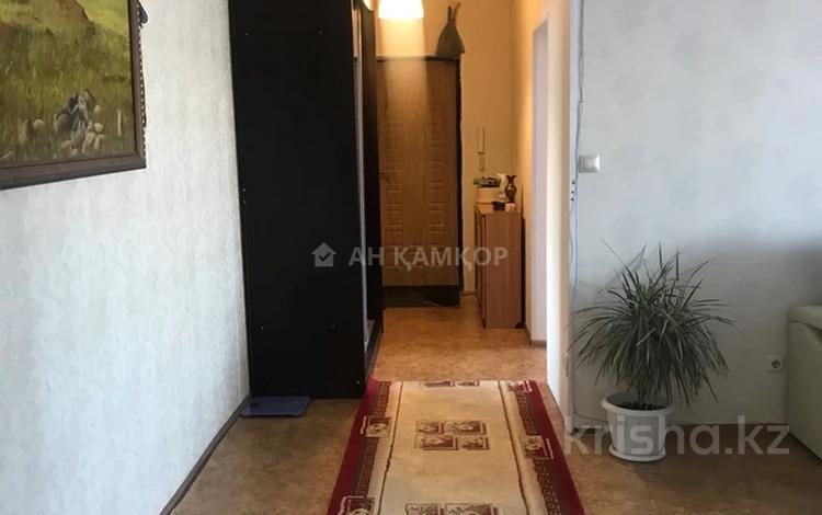 3-комнатная квартира, 90 м², 6/16 этаж, мкр Юго-Восток, Шахтёров 52 за 27 млн 〒 в Караганде, Казыбек би р-н